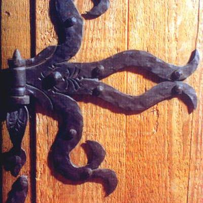 Old hand-wrought hinges 1