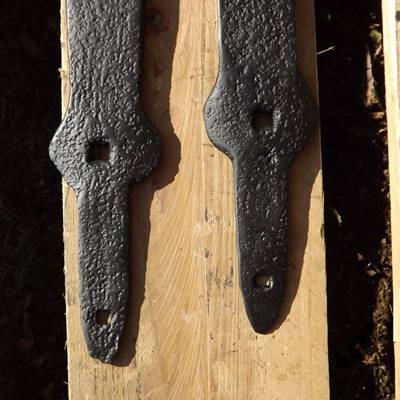 Old hand-wrought hinges 11